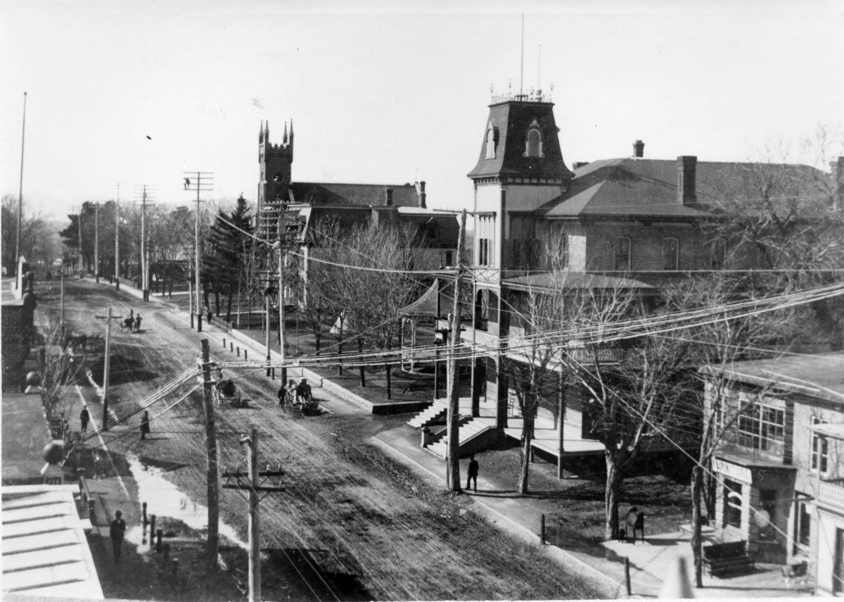 Rue Principale et dufferin-vers 1900
