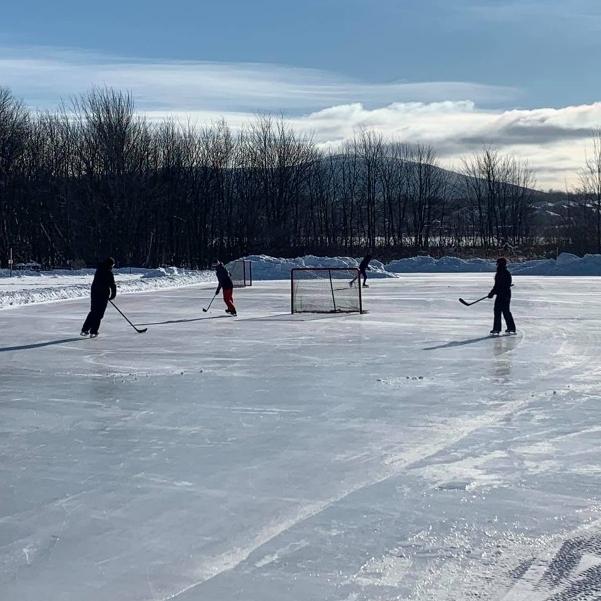 Patin hiver 2021, hockey, plaisirs, extérieur, glace, lac Boivin